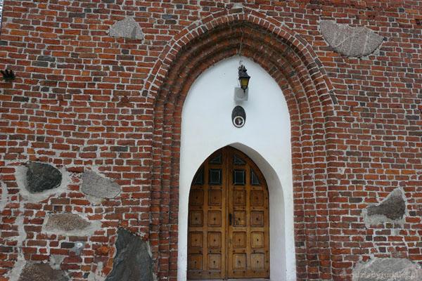 Gotycki kościół Przemienienia Pańskiego w Mielnie.