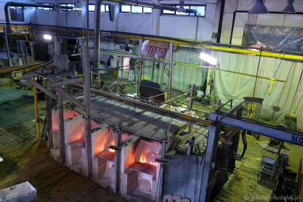 Można poobserwować produkcję szkła.