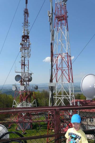 Tymo na wieży widokowej na Chełmcu.