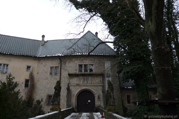 Zamek Hrubá Skála.