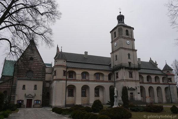 Romańskie opactwo cystersów w Wąchocku (XIII).