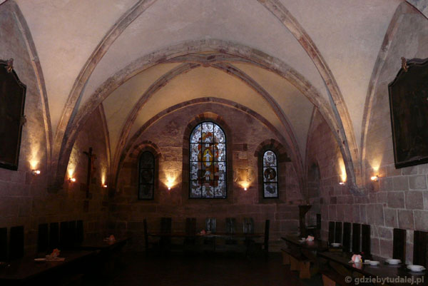 Romański klasztor cystersów - refektarz.