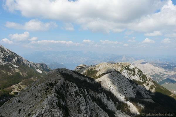 Góry w PN Lovćen ze szczytu Jezerskiego Vrhu.
