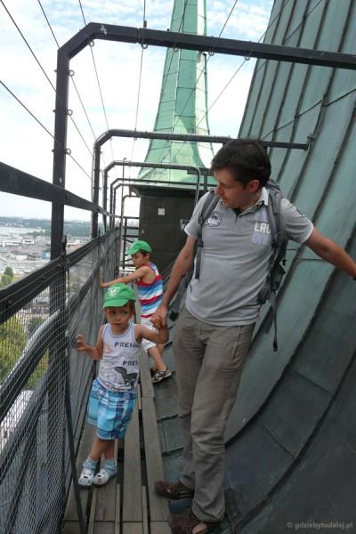 Prawie 270 stopni później, na wieży.