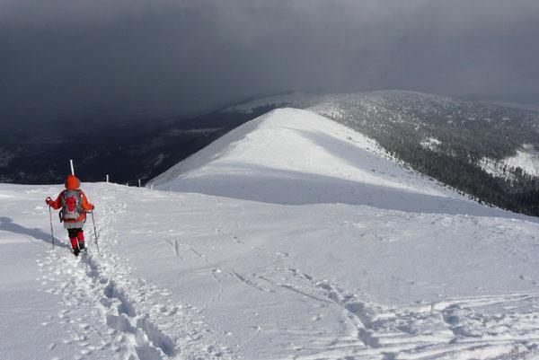 Zejście ze Śnieżki w kierunku wschodnim.