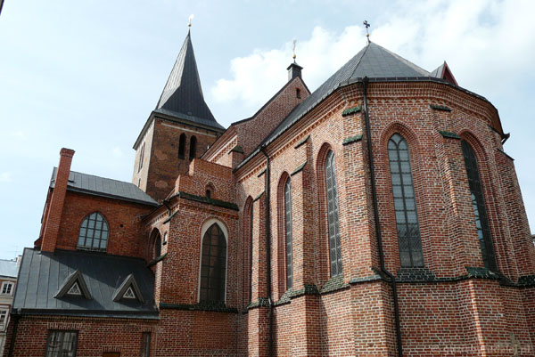 Gotycki (XIV) kościół św. Jana - spojrzenie od tyłu.