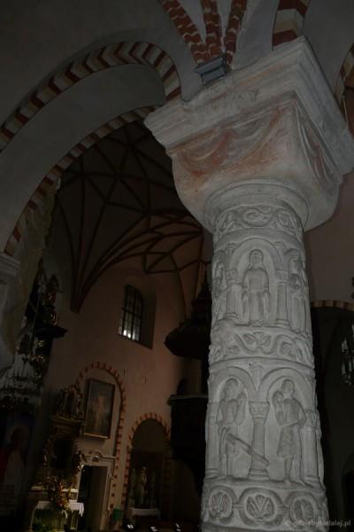 Romańska kolumna z XII w.