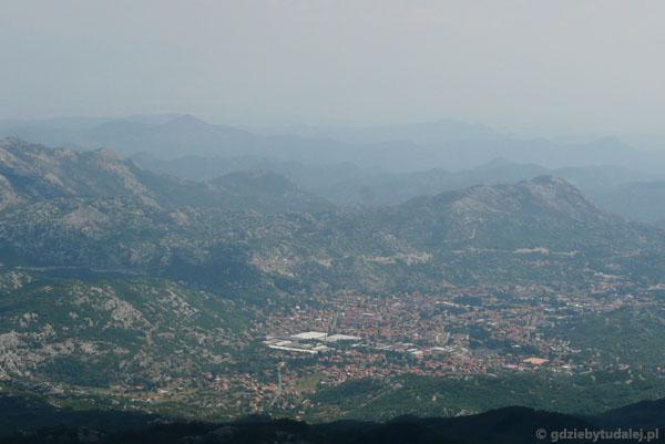 Spojrzenie z Jezerskiego Vrhu na Cetinje.