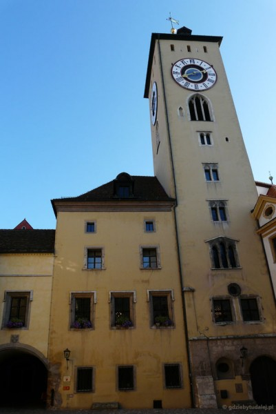 Stary ratusz (poł. XIII) w Ratyzbonie.