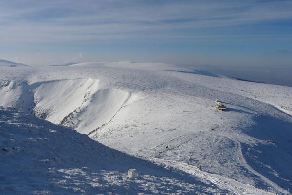 Widok na Karkonosze ze Śnieżki.