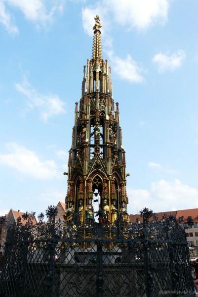 Gotycka (XIV) fontanna.