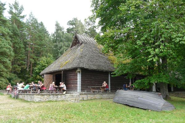 Stara chałupa w rybackiej wsi Altja.