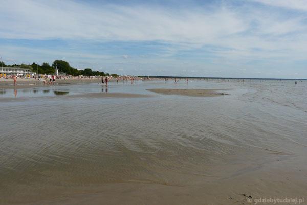 Na plaży w Pärnu.