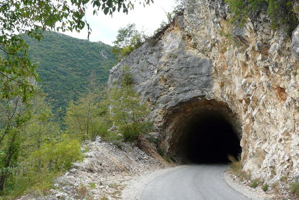 Czarnogórskie tunele.