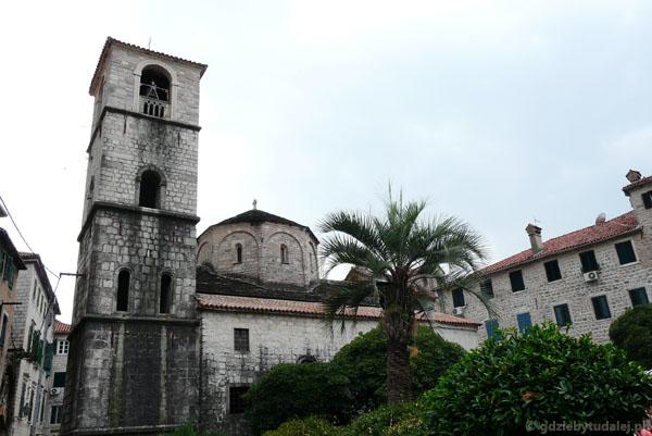 Romański kościół NMP.