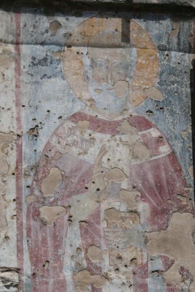 Widać nawet pozostałości fresków.