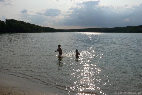 Kąpiel w Jeziorze Foluskim.