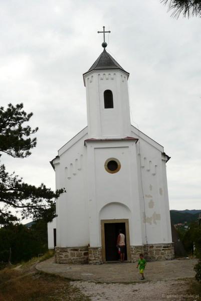 Kościółek na szczycie wzgórza Św. Michała.
