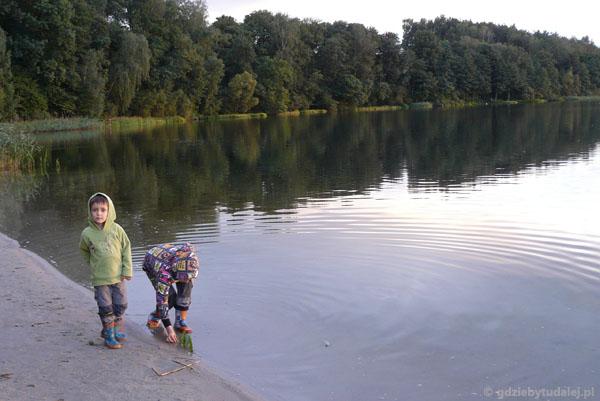 Wieczór nad Jeziorem Foluskim.