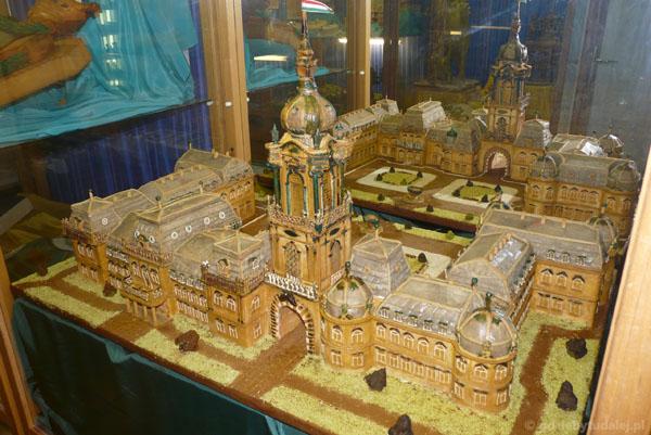 ... i marcepanowy pałac Festeticsów.