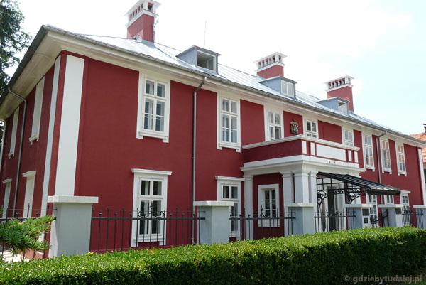 Dawna ambasada Wielkiej Brytanii.