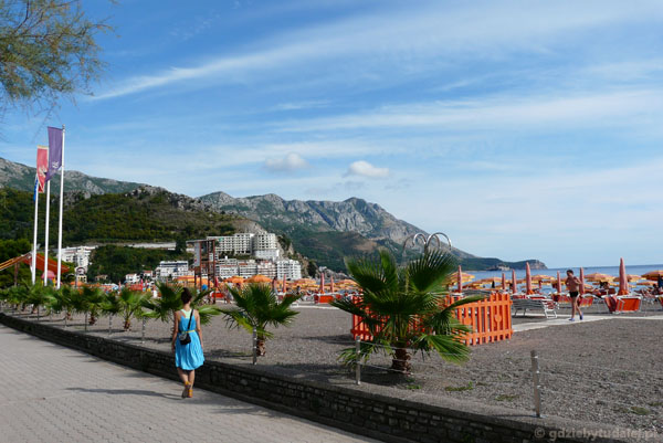 Na plaży w Bečići.