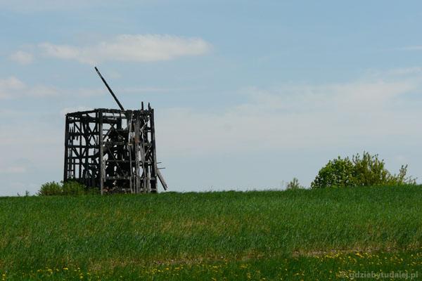 Pozostałości jednego z wiatraków w okolicach Sokółki.