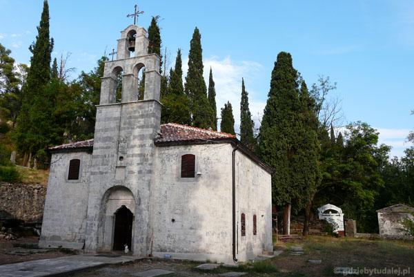 Cerkiew Św. Jerzego (XIII) pod Wzgórzem Gorica.