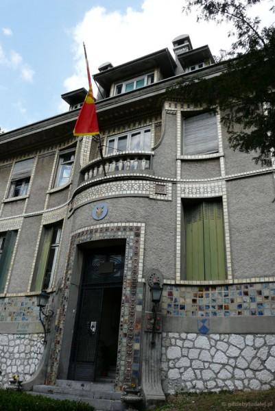 Dawna ambasada Francji.