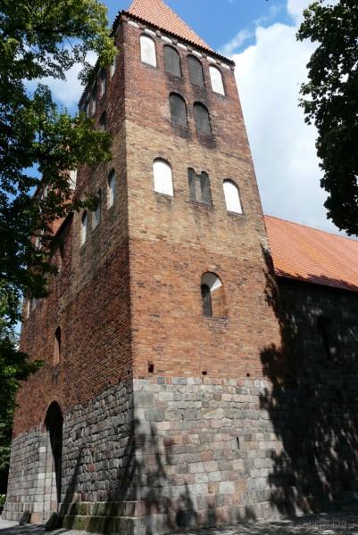 Romański (kon. XII) kościół NMP, Inowrocław.