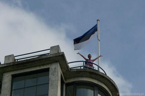 Na dachu Estonii.
