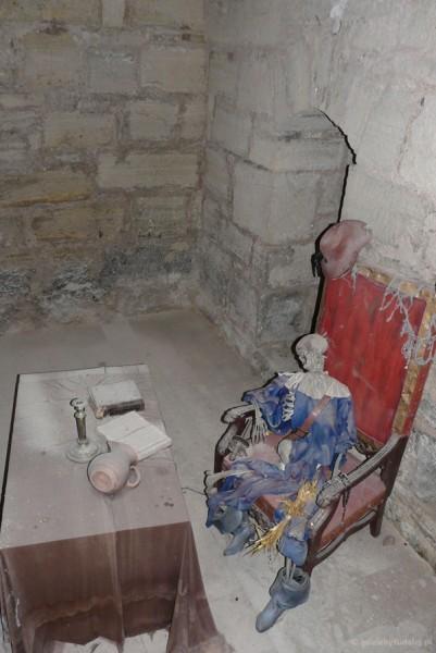 Rekonstrukcja szkieletu zakochanego inkwizytora.