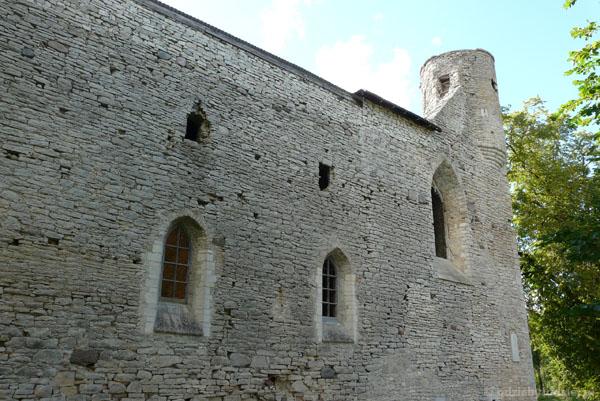 Ruiny klasztoru cystersów (XIV) w Padise.
