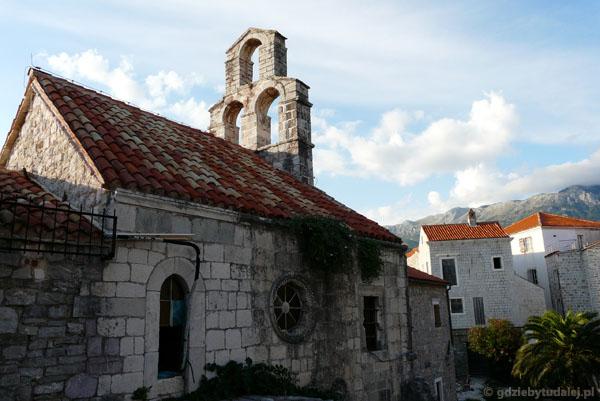 Średniowieczna cerkiew św. Sawy.