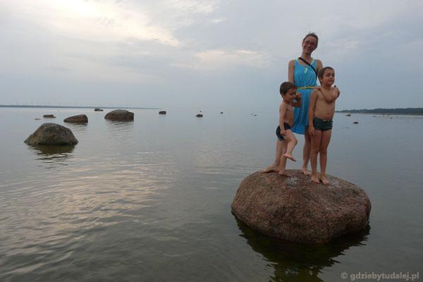 Na plaży w Laulasmaa.