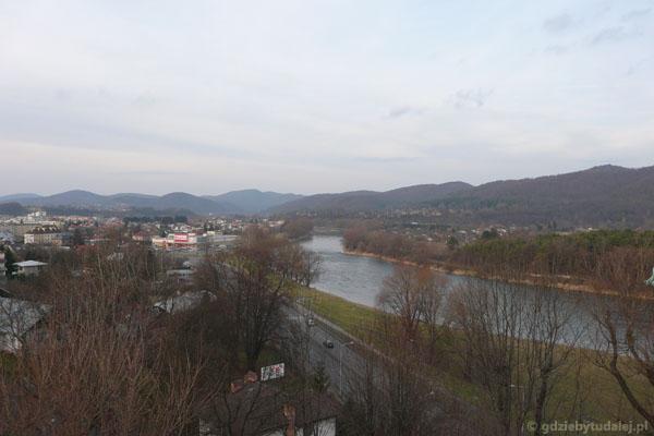Widok na San i Góry Słonne.