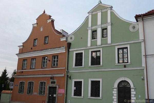 Dom Gąski i dom Esterki.