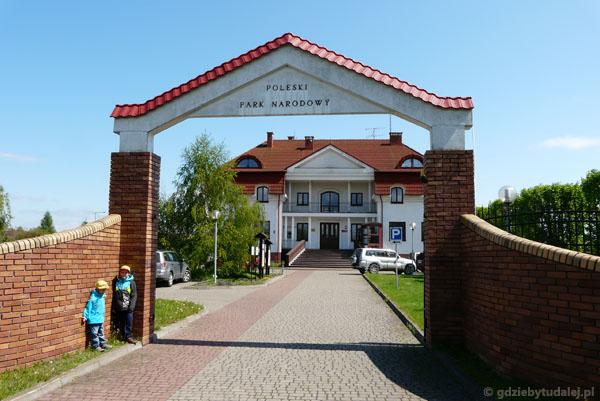 Siedziba dyrekcji Poleskiego PN w Urszulinie.