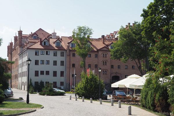 Zamek krzyżacki w Rynie (XIV, przeb.).