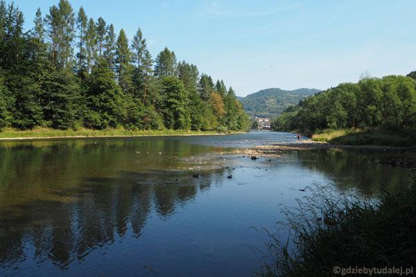 Dunajec ma bardzo niski stan wody.
