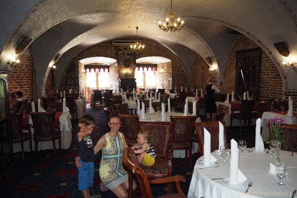 Restauracja Refektarz - w dawnym refektarzu.