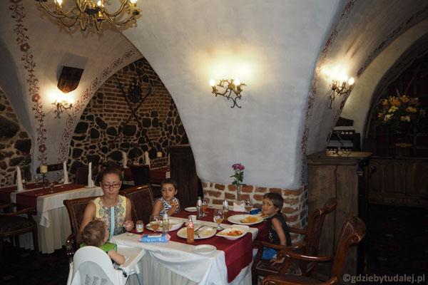 Posiłek w takich wnętrzach smakuje wyjątkowo.
