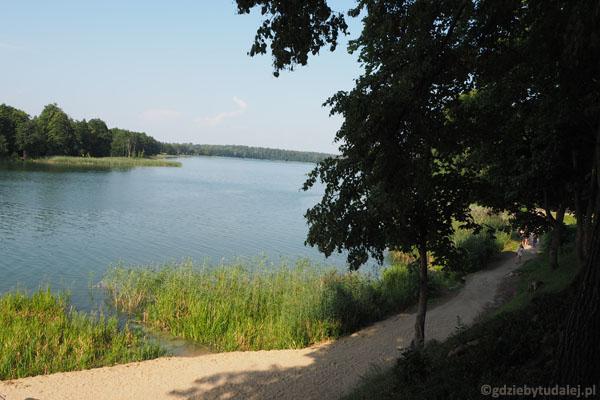 Trasa spacerowo-rowerowa dookoła Jeziora Ołów.