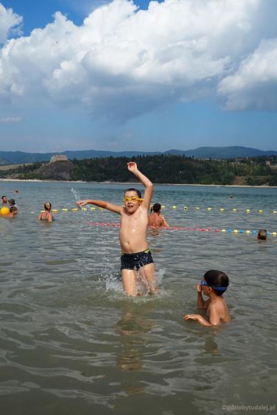 Wyższy stopień znajomości z Jeziorem Czorsztyńskim.