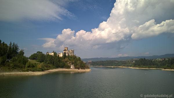 Zamek Niedzicki widziany z zapory.