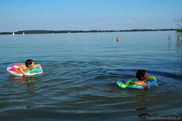 Kąpiel w Jeziorze Tałty.