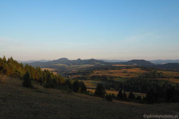 Widoki z góry Wdżar w kierunku Pienin.
