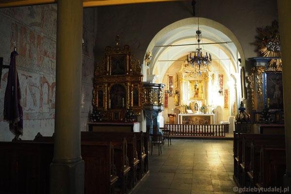 Wnętrze Kościoła Wszystkich Świętych, polichromie z XIV - XVI w.