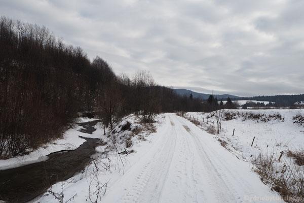 Teren wsi po Akcji Wisła jest zupełnie opustoszały.