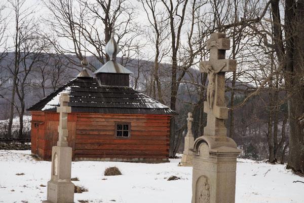 Odbudowana XVIII-wieczna czasownia Przeniesienia Relikwii św. Mikołaja Cudotwórcy.